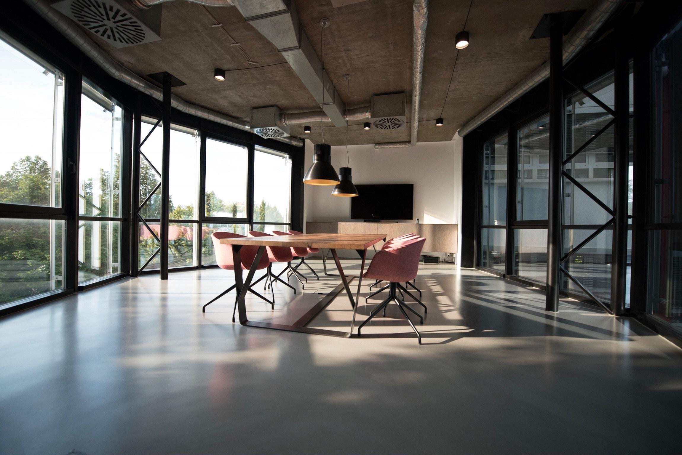 Können Büromöbel einen positiven Einfluss auf die Produktivität haben?